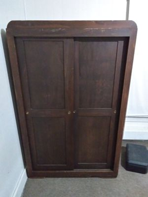 Antique wardrobe abd dresser for Sale in Mooleyville, KY