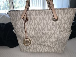 Michael Kors Tote Bag for Sale in Woodridge, IL