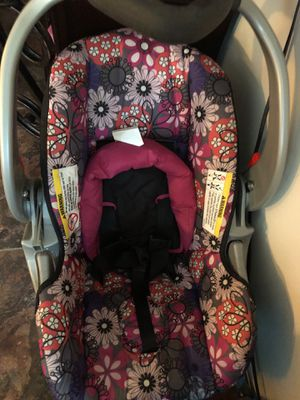 Baby girl car seat for Sale in Lake Charles, LA