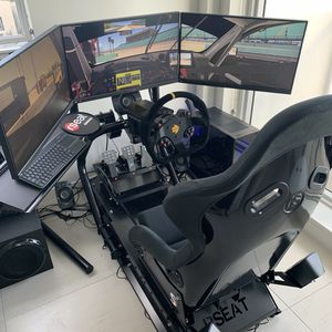 Rseat pro simulator with accuforce direct drive Fanatec pedal for Sale in Miami, FL
