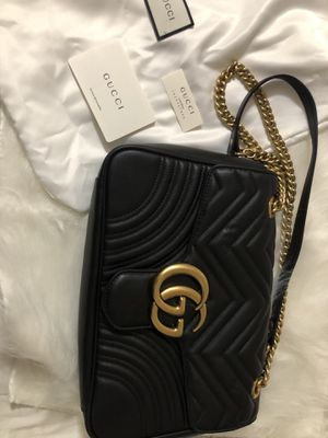 Gucci Marmont medium black leather shoulder bag for Sale in Forest Heights, MD