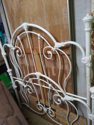 White Bed Frame for Sale in Magalia, CA