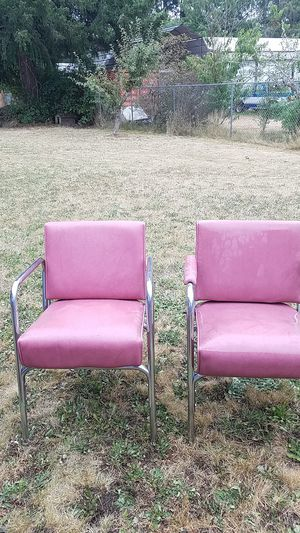 Salon chairs 10$ each for Sale in Tacoma, WA