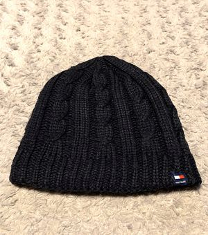 Mens Tommy Hilfiger beanie paid $35 Navy blue great condition! Fully fleece lined for Sale in Washington, DC