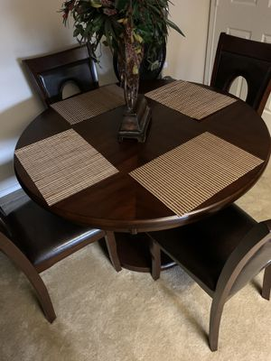 Miraval 5-piece Cherry Brown Round Dining Set by iNSPIRE Q Classic for Sale in Plano, TX