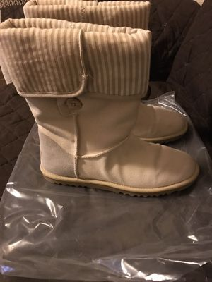 Uggs--women's size 7 for Sale in San Francisco, CA