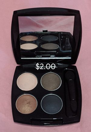 Sale Beautiful Eyeshadow Colors 💋 for Sale in Tulare, CA