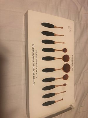 Makeup brushes for Sale in Dearborn Heights, MI