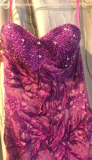 Purple lace dress size M for Sale in Los Angeles, CA