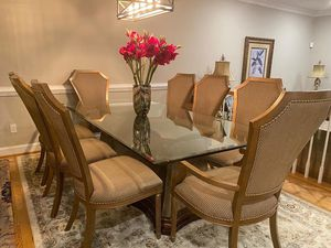 Luxurious & Grand- Complete Dining Room Set W/ Gorgeous Glass Table, 2 Arm Chairs and 6 Side Chairs for Sale in Vienna, VA