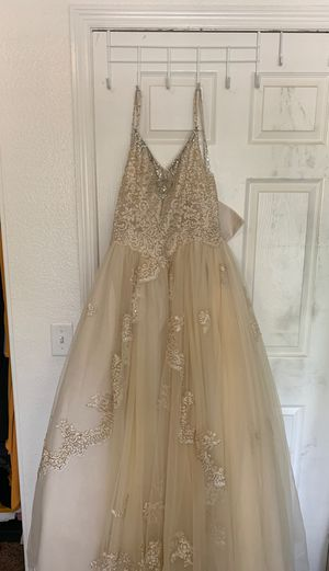 Sweet 16/Quinceanera dress! Size small!! for Sale in Bakersfield, CA