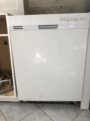 White Dishwasher for Sale in Wilton Manors, FL