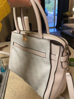 Guess Handbag, Great condition, Used for Sale in Germantown, MD