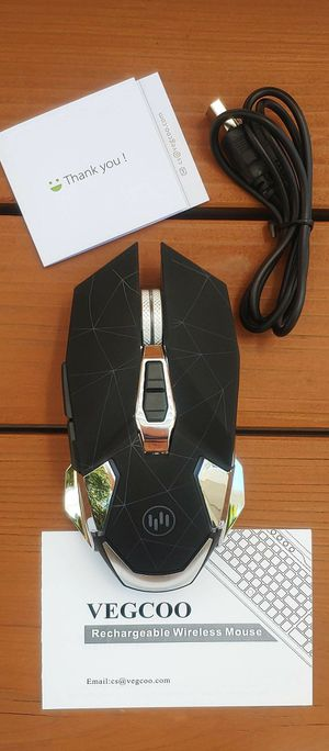 BRAND NEW LED Backlit Optical Rechargeable Gaming Mouse 2.4GHz Silent Click Iron Scroll Wheel 2400 DPI NUEVO videojuego Ratón para juegos recargable for Sale in Ontario, CA