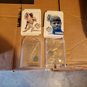 Ken Griffey Jr 23kt Gold Baseball Cards 1997 for Sale in Arlington, WA