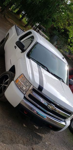 Chevy silverado for Sale in Dayton, OR