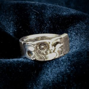 Antique Collectable Southern Style Spoon Ring From Jeannette's Jewelry Box Collection for Sale in Cincinnati, OH