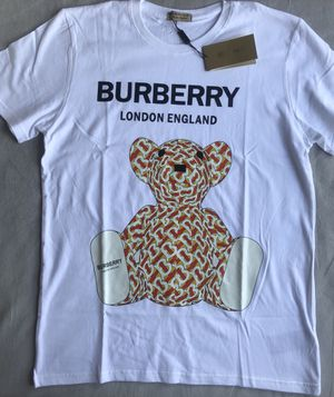 Whites Burberry t shirt for Sale in Miami, FL