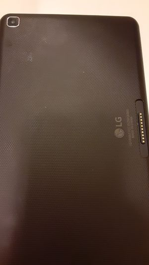 iPad LG available now for Sale in Harrisburg, PA