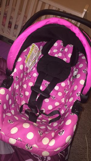 Minnie Mouse infant car seat for Sale in Erie, PA