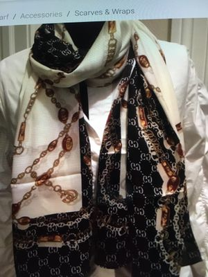 NWT authentic Gucci gg print silk scarf for Sale in Montvale, NJ