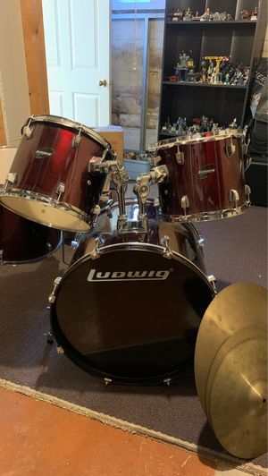 Ludwig Drum set 5 piece / Zildjian Cymbal Pack for Sale in Naperville, IL