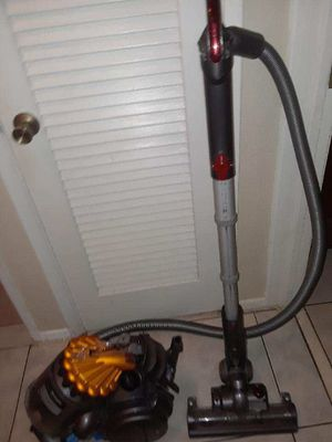 Dyson vacuum retails for 530$ for Sale in Pompano Beach, FL