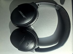 Bose QuietComfort 35 Wireless Noise Cancelling Headphones - Black for Sale in San Francisco, CA
