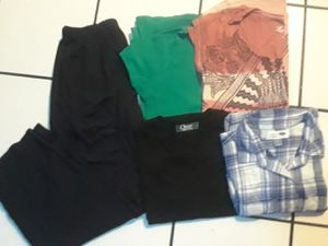 Ropa para mujer M for Sale in Lynwood, CA