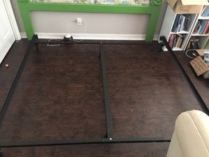 King size bed frame w support beam for Sale in Tarpon Springs, FL