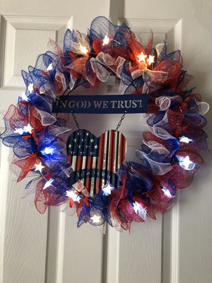 4 July wreath lights up and centerpiece combo for Sale in Oklahoma City, OK