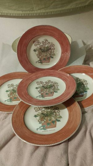 Wedgewood Porcelain Christmas Red (5-piece Set) for Sale in Fairfax, VA