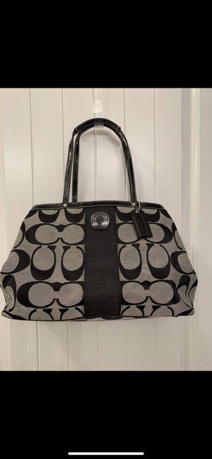 Coach purse for Sale in Dinuba, CA