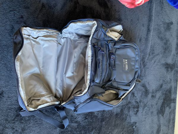 Under Armour UA Huey Backpack (GREAT CONDITION)