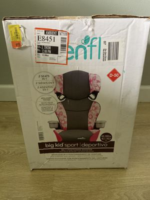 Evenflo girl booster seat for Sale in Palm Harbor, FL