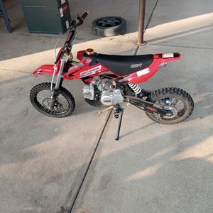 Ssr 125cc Dirt Bike for Sale in Dinuba, CA