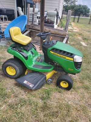 John Deere D105 Riding Lawn Tractor for Sale in Niederwald, TX