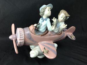 Lladro Don't Look Down #5698 - Children in Airplane Figurine for Sale in Largo, FL