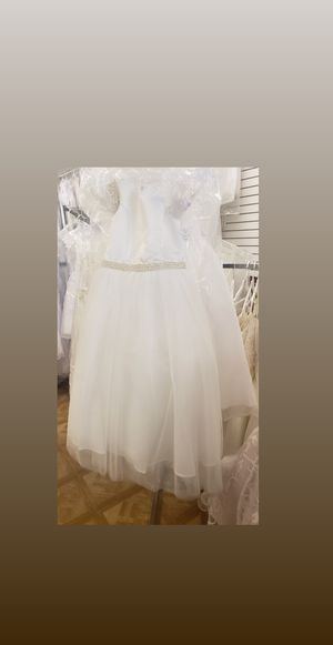 Beautiful ivory with pearls flower girls wedding dresses. 3 available size 8 kids. Brand new with tag. Never worn for Sale in Kissimmee, FL