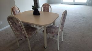 Kitchen Table & Chairs for Sale in St. Petersburg, FL