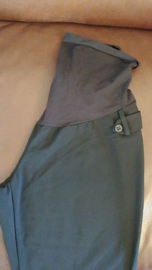 Free maternity clothes size Med for Sale in Edgewood, WA
