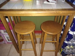 Mini wet bar table and stools for Sale in Pine Hill, NJ