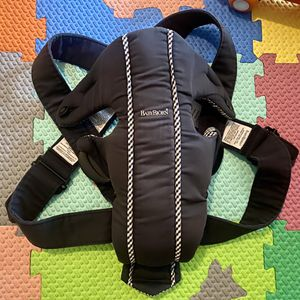 Baby Bjorn Carrier for Sale in Fort Worth, TX