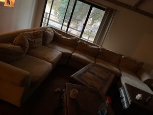 Sectional couch FREEE for Sale in Murrieta, CA