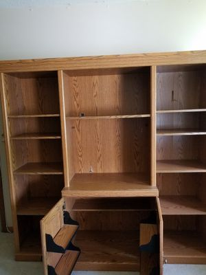 High quality book shelf or entertainment cabinet for Sale in Arlington Heights, IL