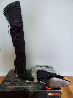 Thigh high boots for Sale in Milford Charter Township, MI