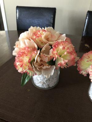 Decorative flower arrangement for Sale in Modesto, CA