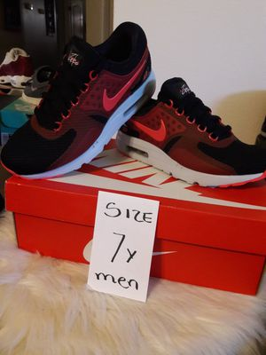 NIKE MAX SIZE 7 FOR MEN for Sale in Highland, CA