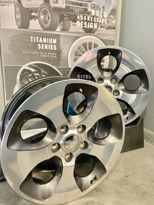 "18"" Original Jeep Wrangler Wheels for Sale in Doral, FL"