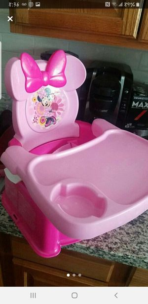 Minnie mouse booster seat for Sale in Sanger, CA